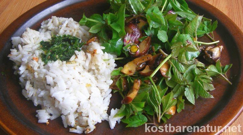 Zum Frühlingsanfang macht das Sammeln von Kräutern besonders viel Freude. Hier findest du ein einfaches veganes Rezept für einen leckeren Wildkräutersalat.