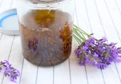 Sinnliches und entspannendes Massageöl mit Lavendel selber machen