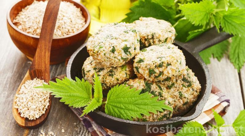 Die Brennnessel ist sehr nährstoffreich und gesund. In Weizenklößchen verarbeitet, zauberst du ein einfaches, gesundes und leckeres Gericht.