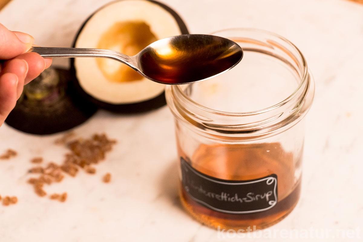 Aus Winterrettich, Kandiszucker und einem Schraubglas einen heilsamen Hustensirup selber zu machen ist ganz einfach. Hier erfährst du, wie es geht.