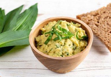 Bärlauch-Hummus – einfaches Rezept mit der gesunden Wildpflanze