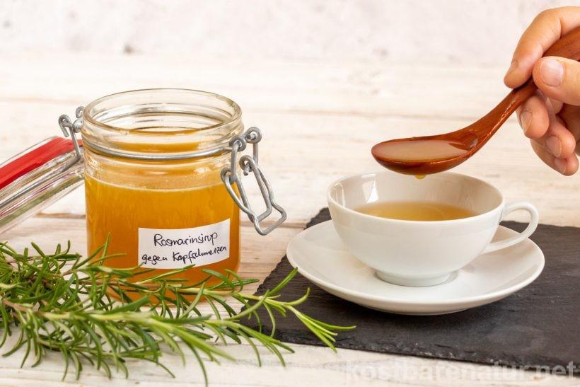 Siropul de rozmarin de casă cu ghimbir ajută împotriva durerilor de cap - o alternativă blândă la pastilele pentru durerile de cap.
